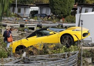 Наводнения и свлачища във Франция взеха 17 жертви
