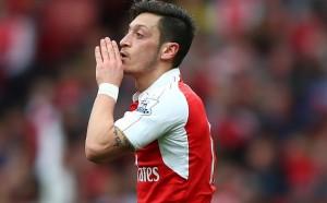 Кошмарът на Лудогорец още се чуди за договор с Арсенал