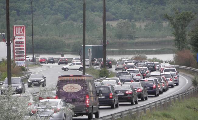 700 000 българи тръгват на път, започнаха катастрофите