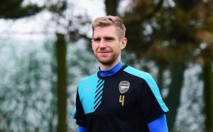 Капитанът на Арсенал се прицели в завръщане в началото на януари