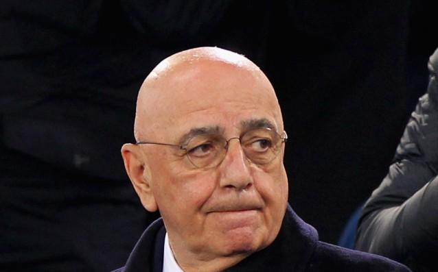 Бюрократични неволи за Милан