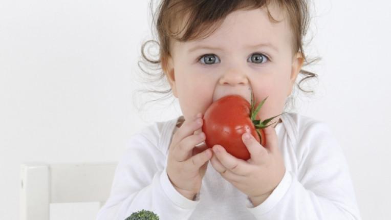 бебе дете домат