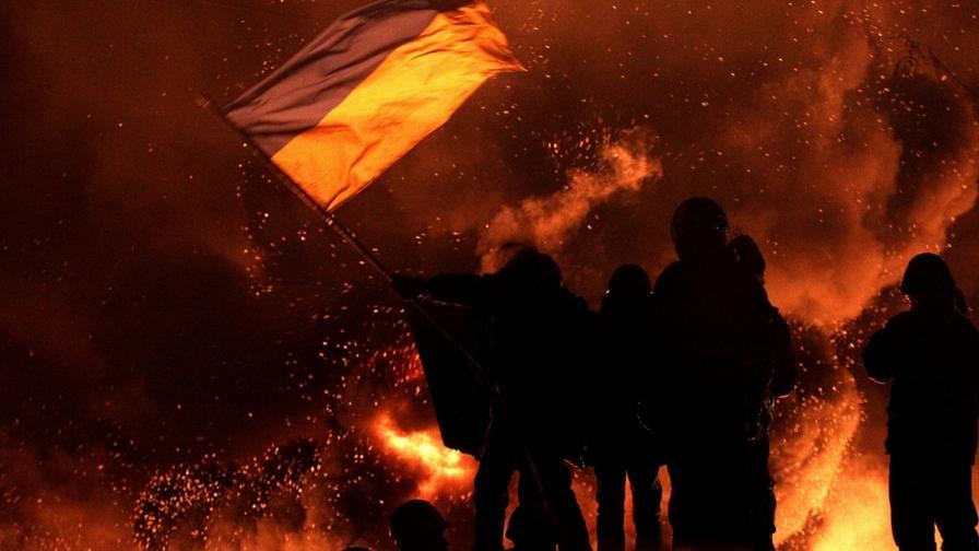 Милиционер е убит в Киев, сблъсъците продължават