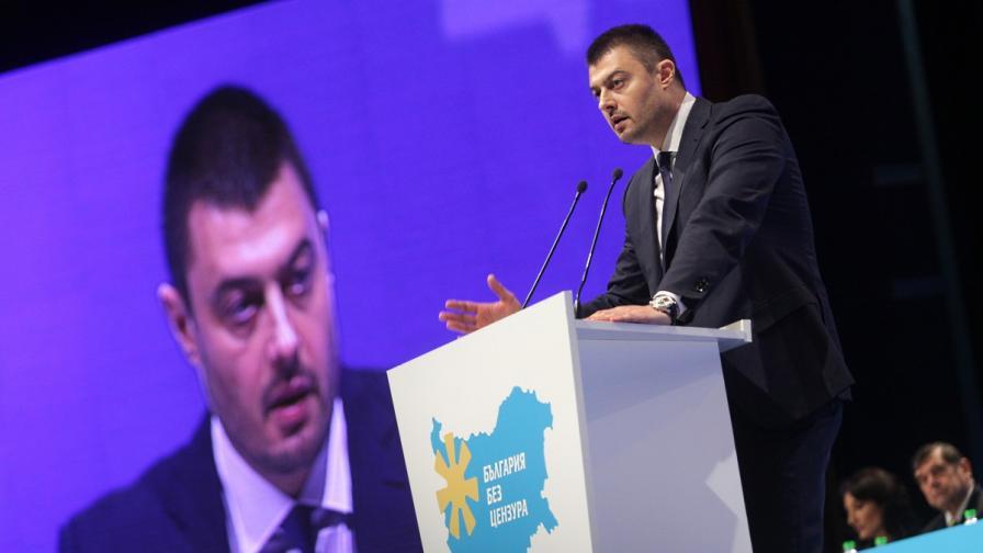 Николай Бареков учреди партия, иска да управлява два мандата