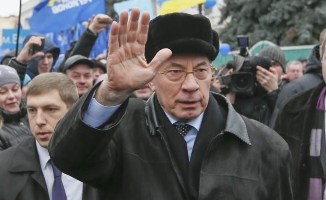 Украинският премиер Микола Азаров подаде оставка