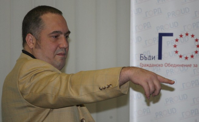 Журналисти и творци против поста на Слави Бинев