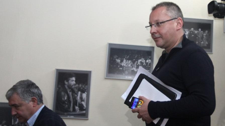 Сергей Станишев и Атанас Мерджанов след заседанието на Националния съвет на БСП