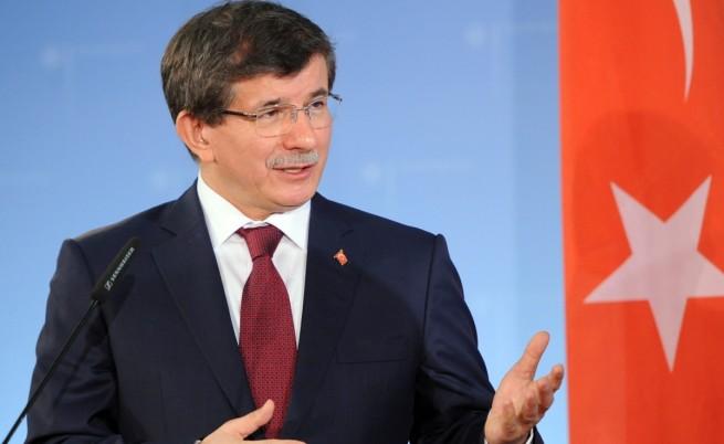 Турският външен министър Ахмед Давутоглу