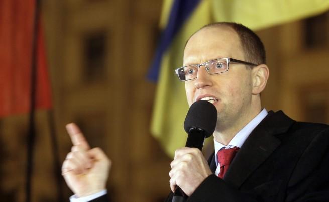 Арсений Яценюк готов да стане премиер на Украйна