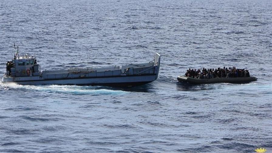 Италия спаси 1123 мигранти на салове до Сицилия