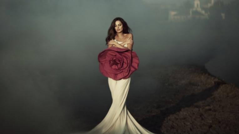 жена нежност нежна рокля