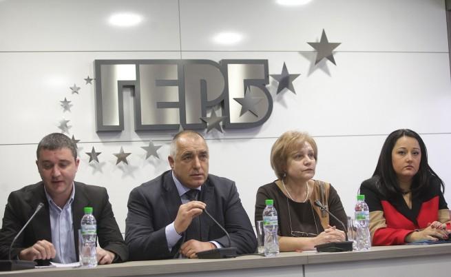 Борисов иска среща с Орешарски за финансирането на регионите