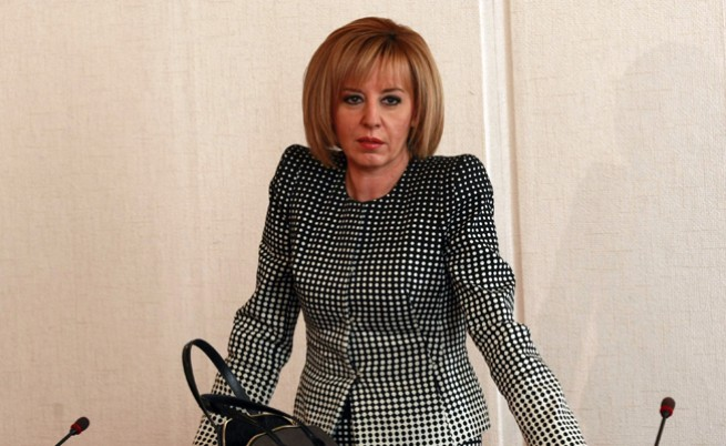 Мая Манолова: От ГЕРБ ще взимат заплати и ще ходят на плаж