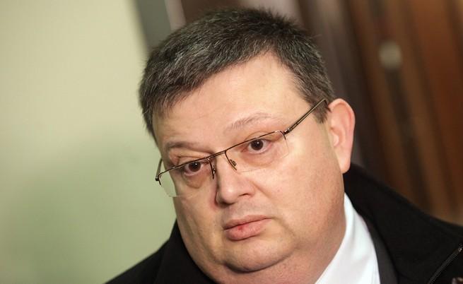 Цацаров: Цветанов да подкрепи думите си с факти
