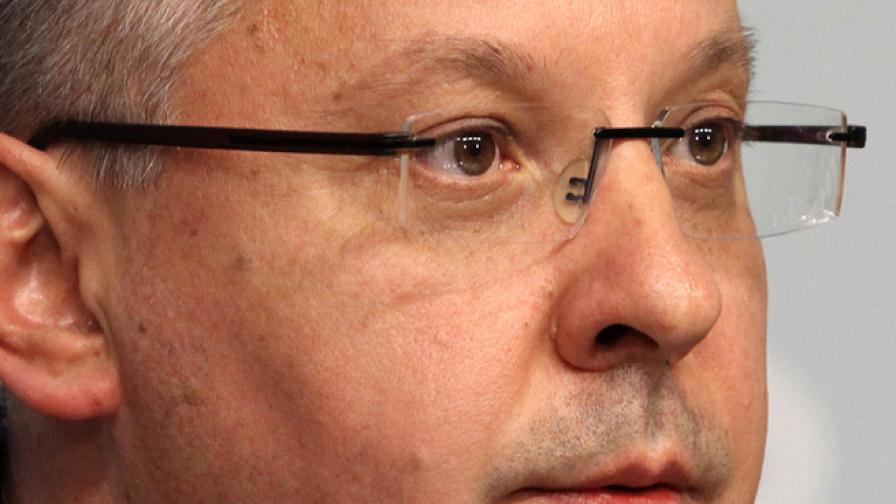 Станишев: Стига истерии за Пеевски