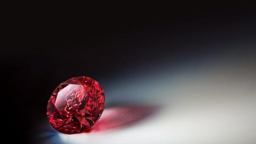 Крадец на розов диамант хванат в Австралия