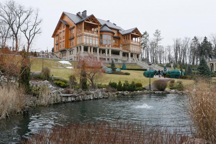 резиденцията на Янукович