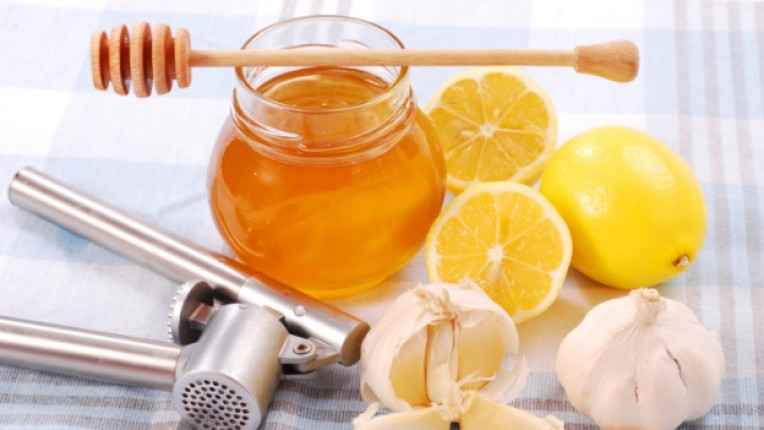 мед лимон чесън