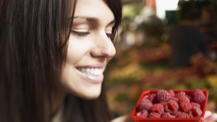 Малини аромат плодове