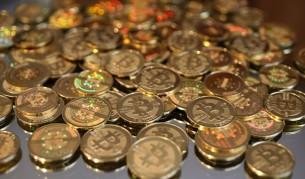 Bitcoin продължава да поставя рекорди с цената си