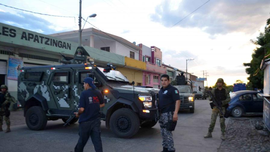 Двама престъпници признаха, че са убили 17 ученици в Мексико