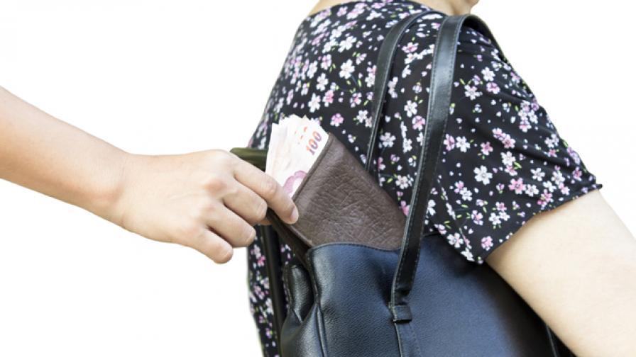 Сън: Български джебчийки печелят по 20 хил. лири