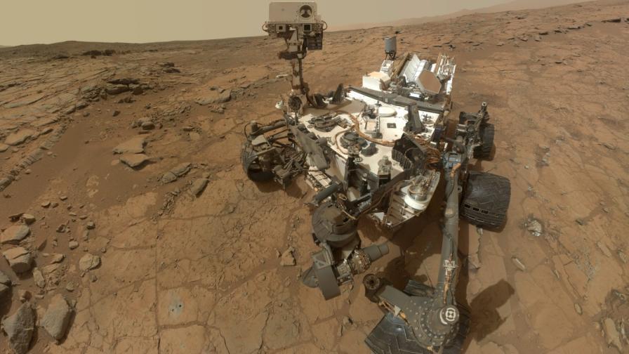 """Марскоходът """"Кюриосити"""" на Червената планета"""