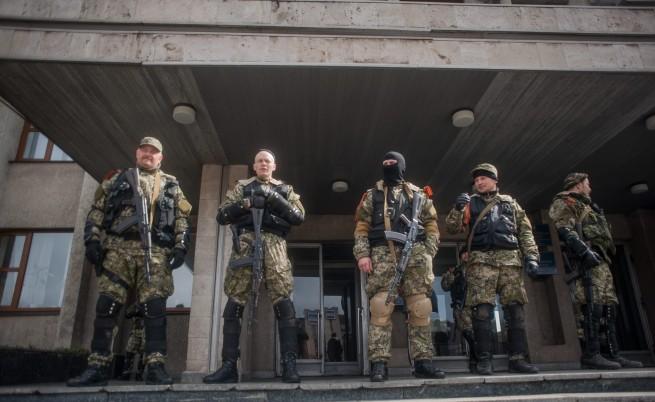 """Сепаратисти искат помощ от Владимир Путин, Украйна - """"сини каски"""""""