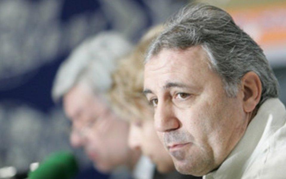 Чивас назначи треньор, но не Стоичков