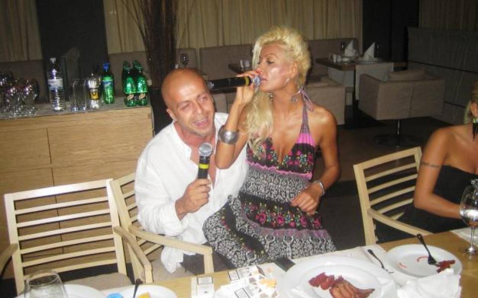 Половинката на Владо Арабаджиев показа, че може пее от сърце