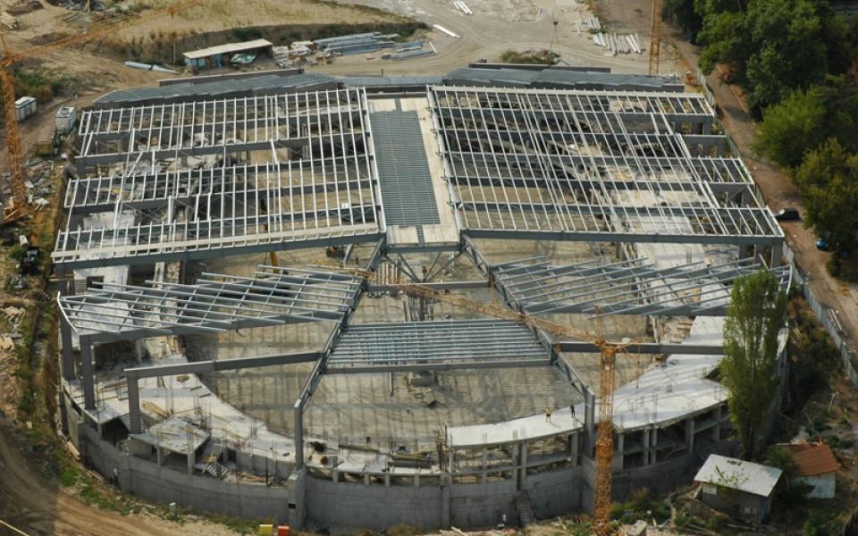 Приключи монтажът на покрива на новата зала в Пловдив