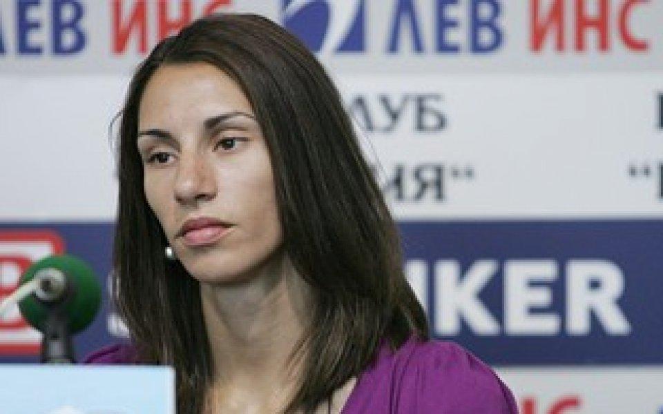 Ваня Стамболова на полуфинал на 400 метра с препятствия