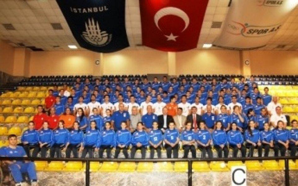 Стойков и олимпийски шампиони бият в Турция