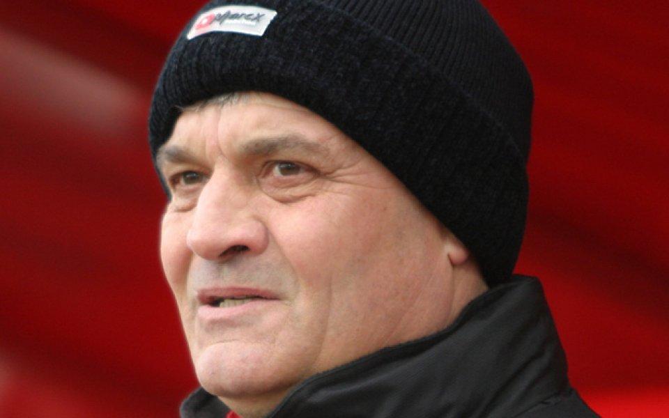 Андоне вкара Коста Янев в групата на ЦСКА, изненадва с Велинов