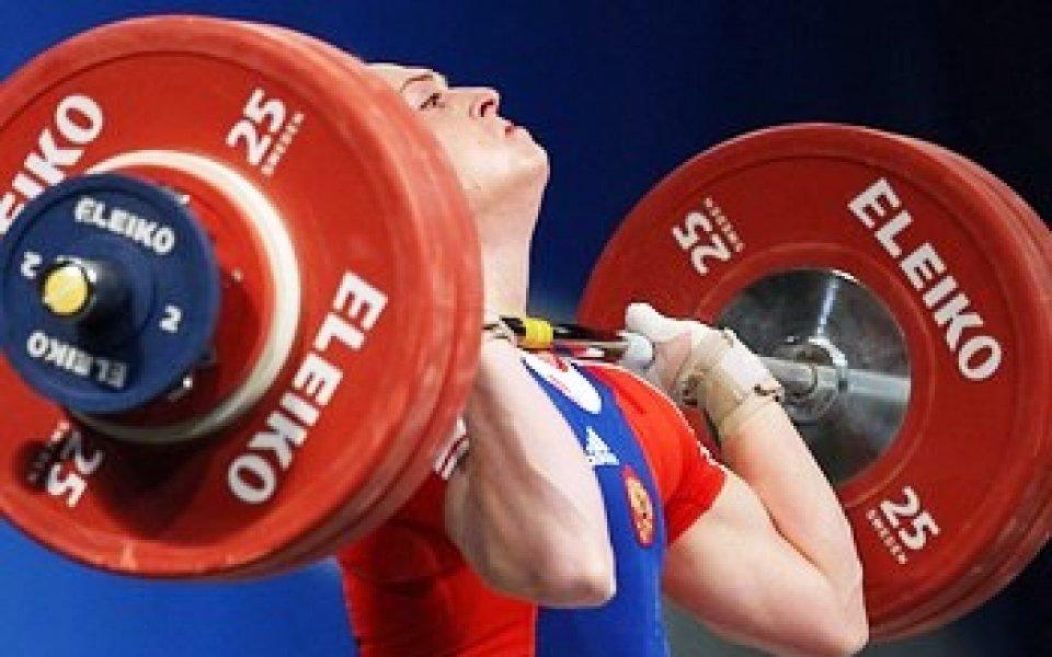 69-килограмова рускиня изтласка 145 килограма