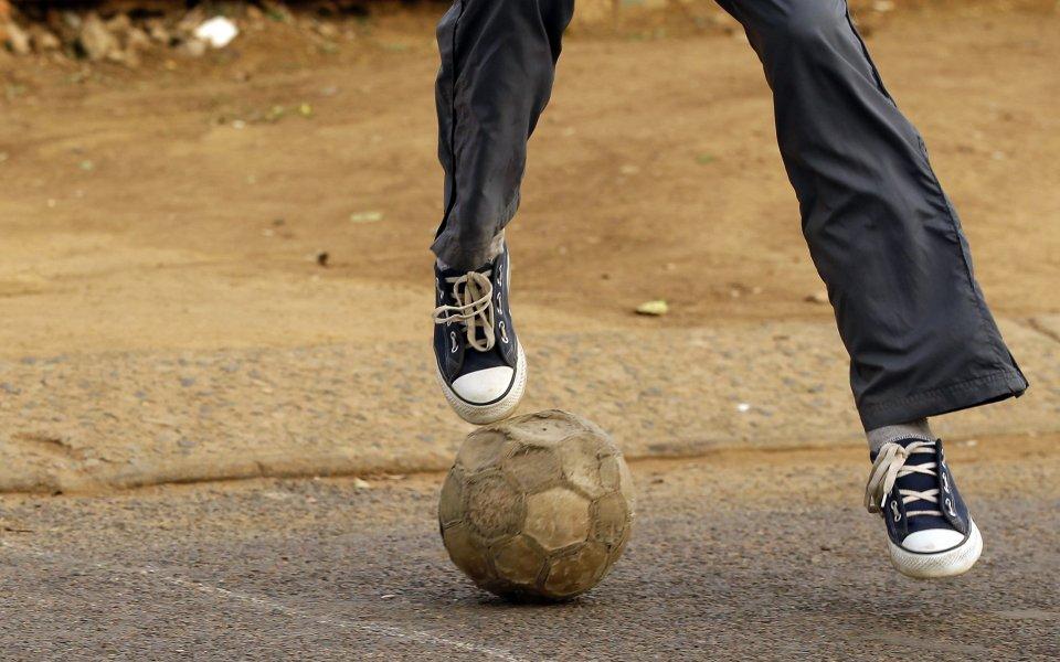 Уорнър Брадърс ще прави талисмана за Евро 2012