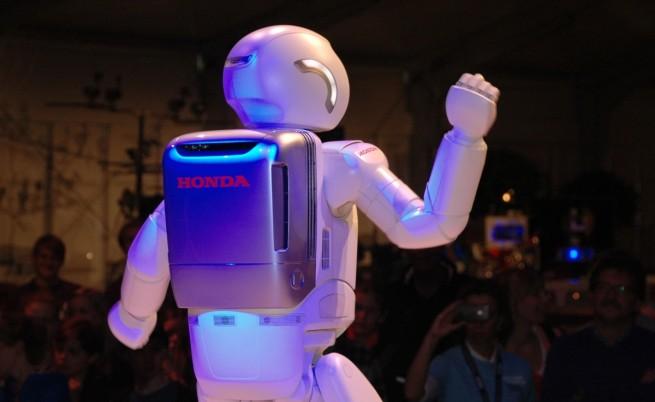 """""""Хонда"""" представи нова версия на робота Азимо"""