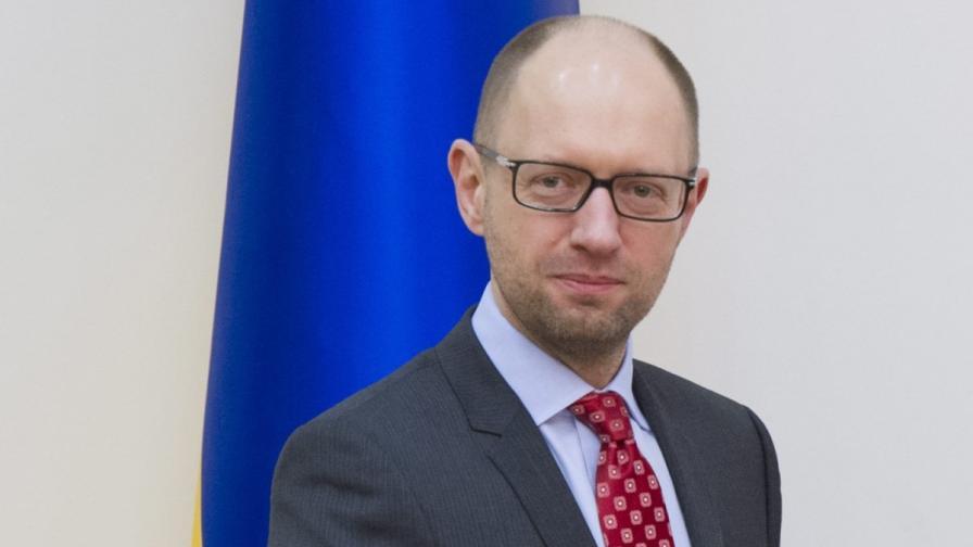 Яценюк отхвърли мирния план на Путин за Украйна