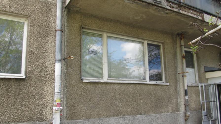 """Апартаментът в блок """"Мура"""" в русенския квартал """"Здравец"""", където семейството на насилника живее"""