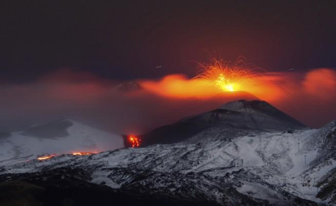 Етна изригна отново, 10 ранени