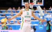 Шарунас Ясикевичус ще играе в бенефиса на Младенов