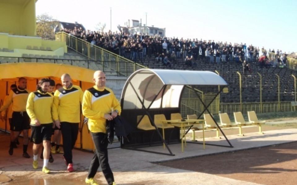 Радуканов: Футболистите се стараят, но имаме много работа