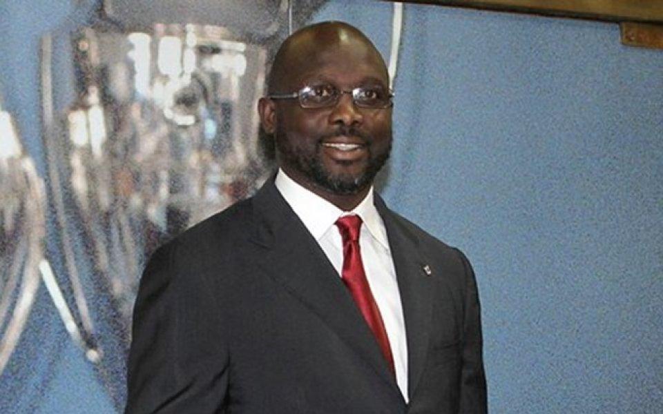 Змии изгониха президента на Либерия от кабинета му