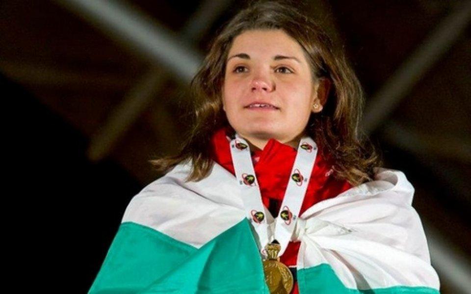 Ния Димитрова остава в Левски