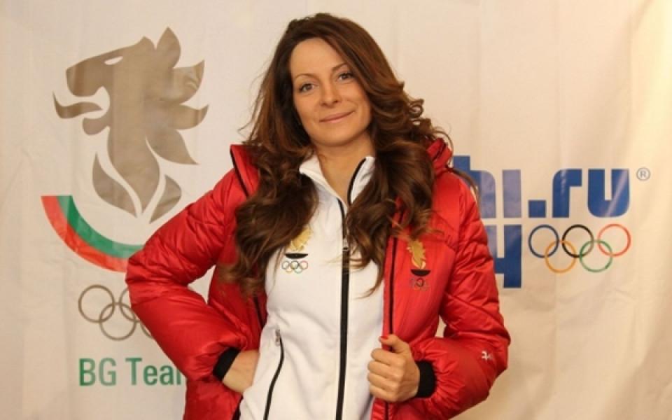 """Най-добрата българска сноубордистка в историята Александра Жекова избухна срещу """"затварянето"""""""