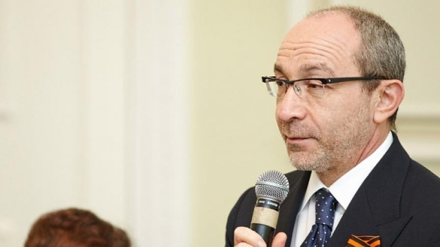 Нападател рани тежко кмета на Харков
