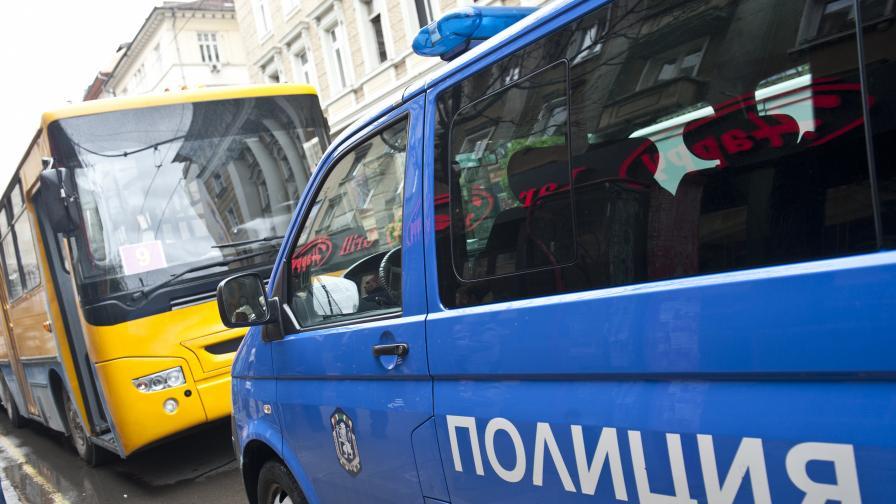 Разследват странен инцидент с тролей в София