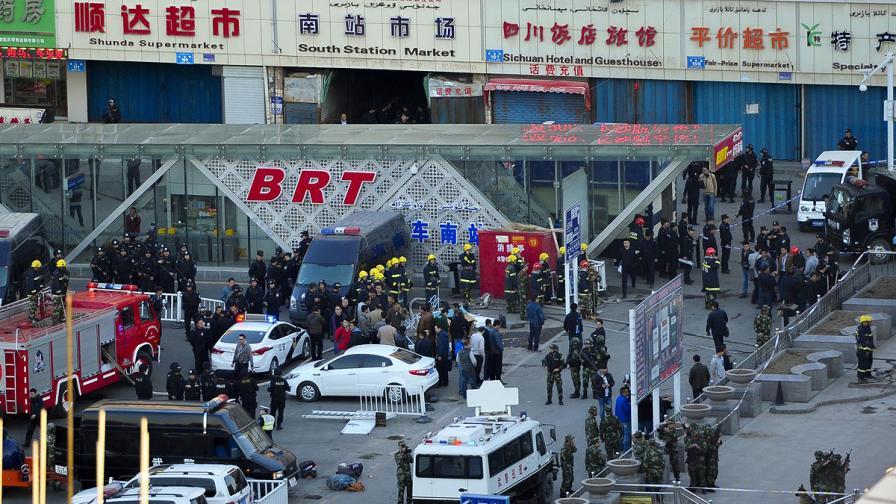 Бомбен атентат на жп гара в Китай взе три жертви