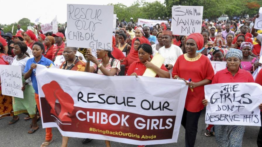 Протест в Абуджа с искане правителството да положи повече усилия за спасяване на отвлечените момичета