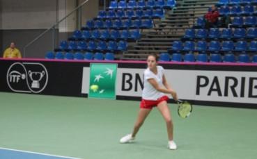 Вангелова се класира за четвъртфиналите на двойки в Тунис